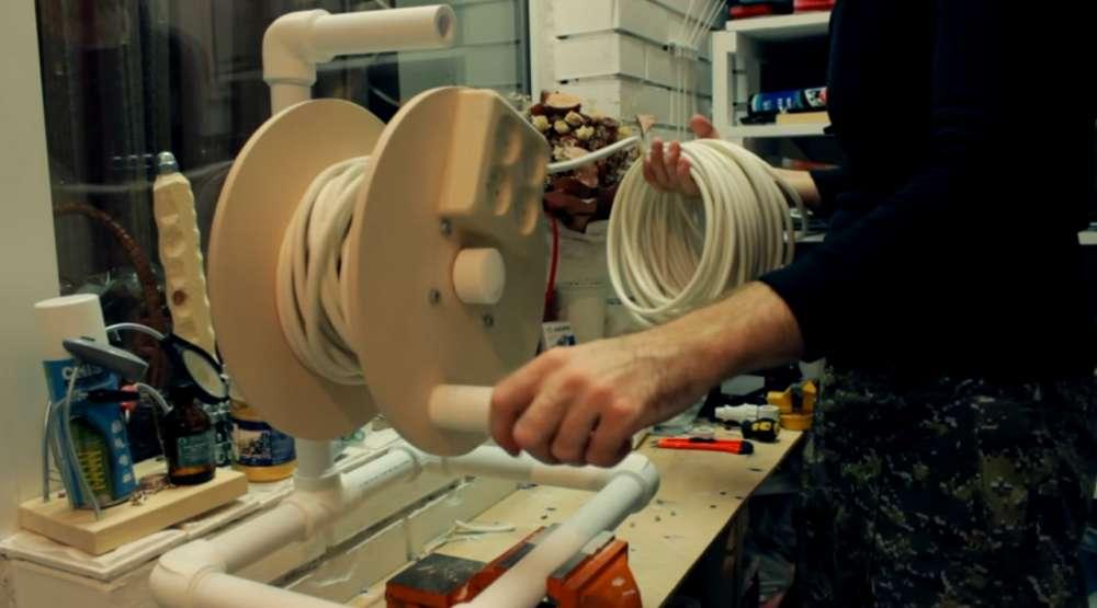 Делаем катушку для удлинителя из подручных материалов