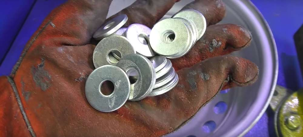 процесс изготовления мангала из автомобильного диска шаг 10
