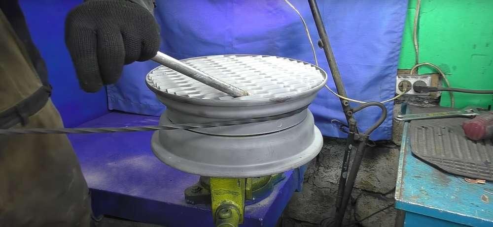 процесс изготовления мангала из автомобильного диска шаг 15