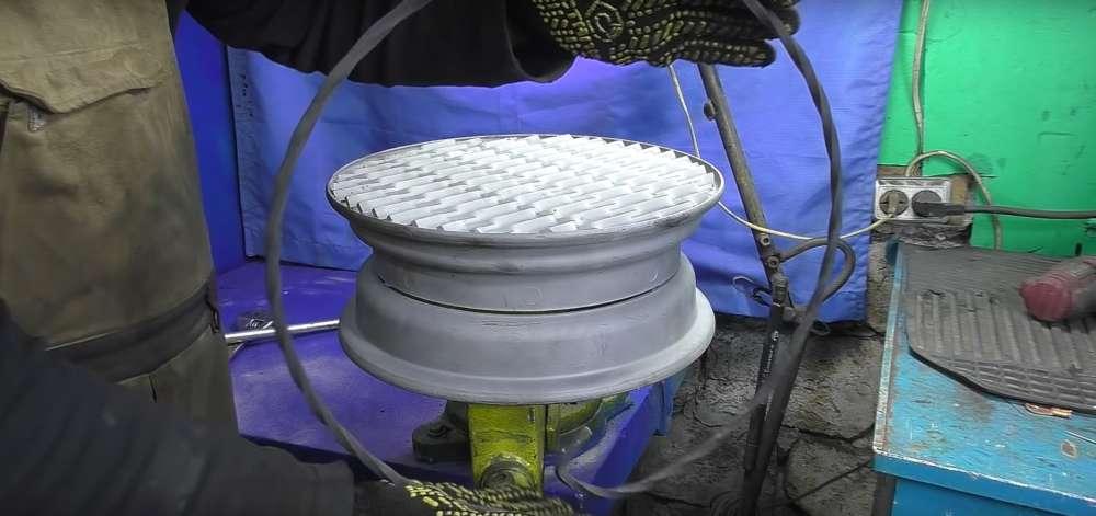 процесс изготовления мангала из автомобильного диска шаг 16