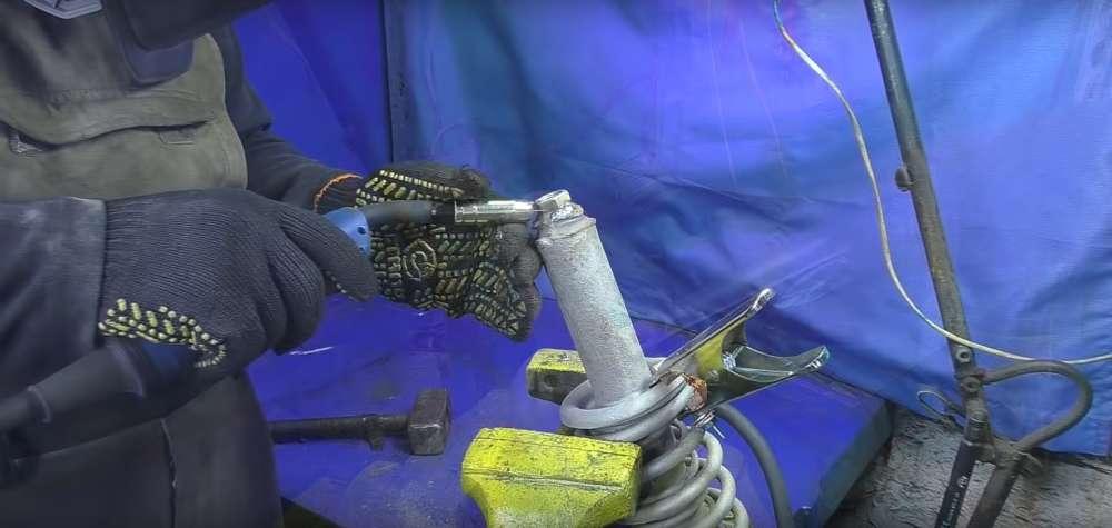процесс изготовления мангала из автомобильного диска шаг 26