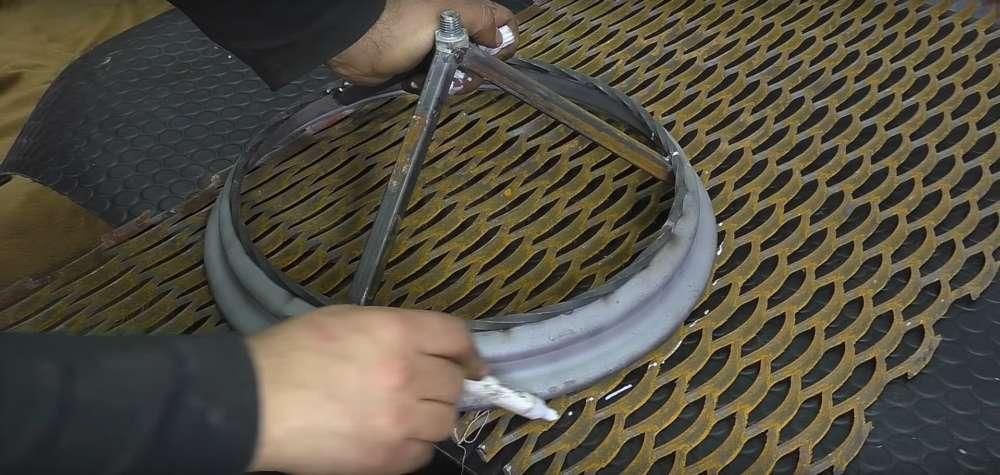процесс изготовления мангала из автомобильного диска шаг 37