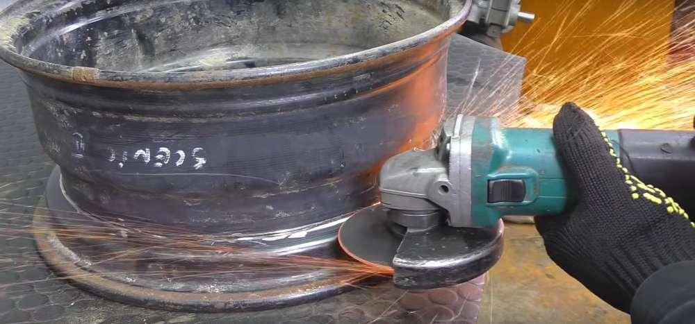 процесс изготовления мангала из автомобильного диска шаг 3
