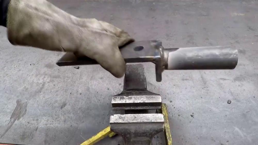 процесс изготовления самодельного станка для гибки металла шаг 13