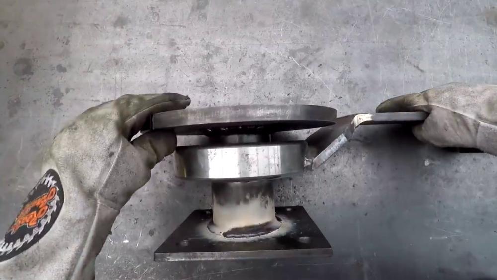 процесс изготовления самодельного станка для гибки металла шаг 17