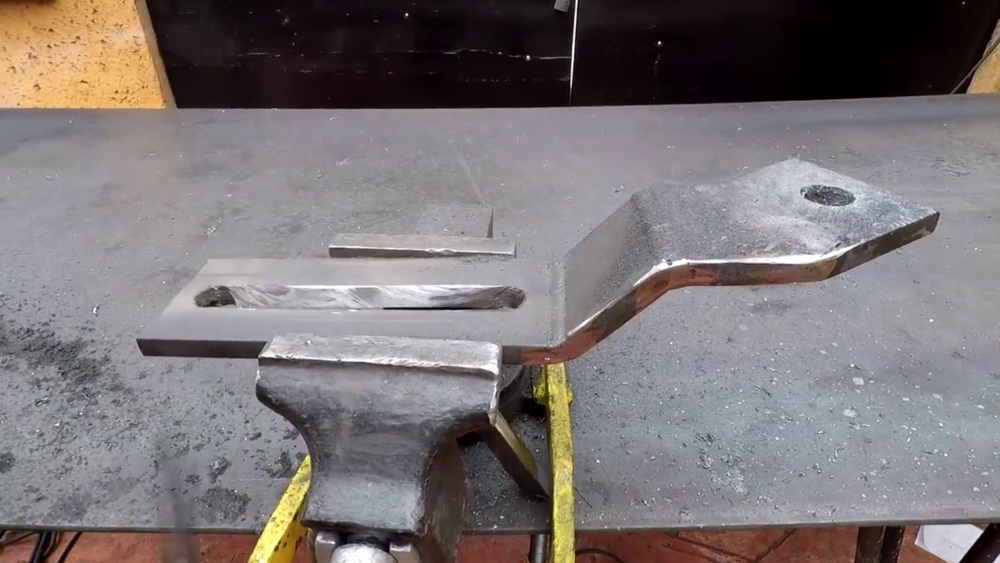 процесс изготовления самодельного станка для гибки металла шаг 21
