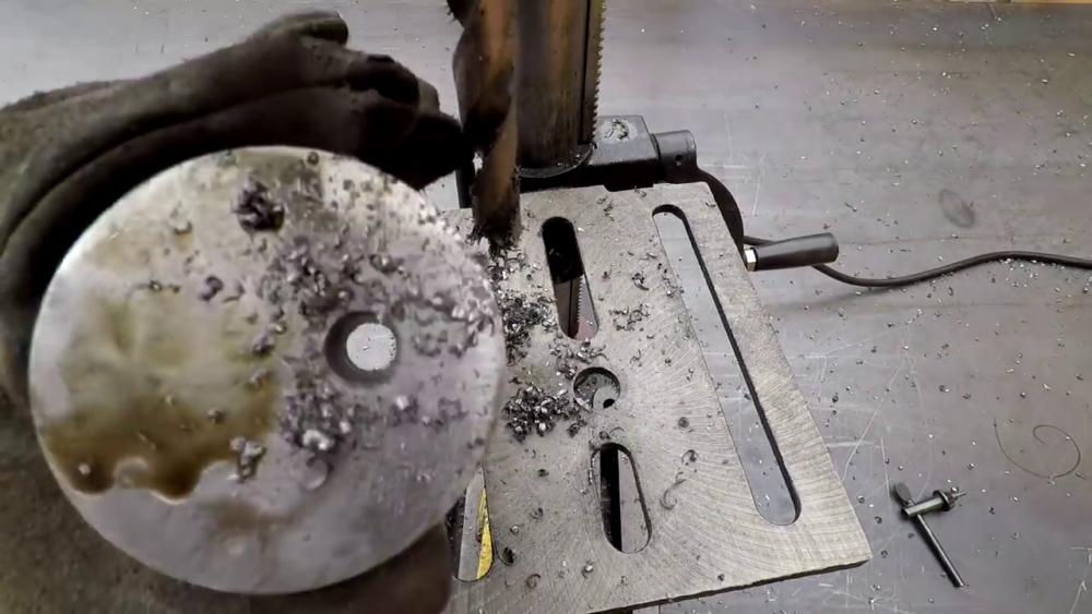 процесс изготовления самодельного станка для гибки металла шаг 34