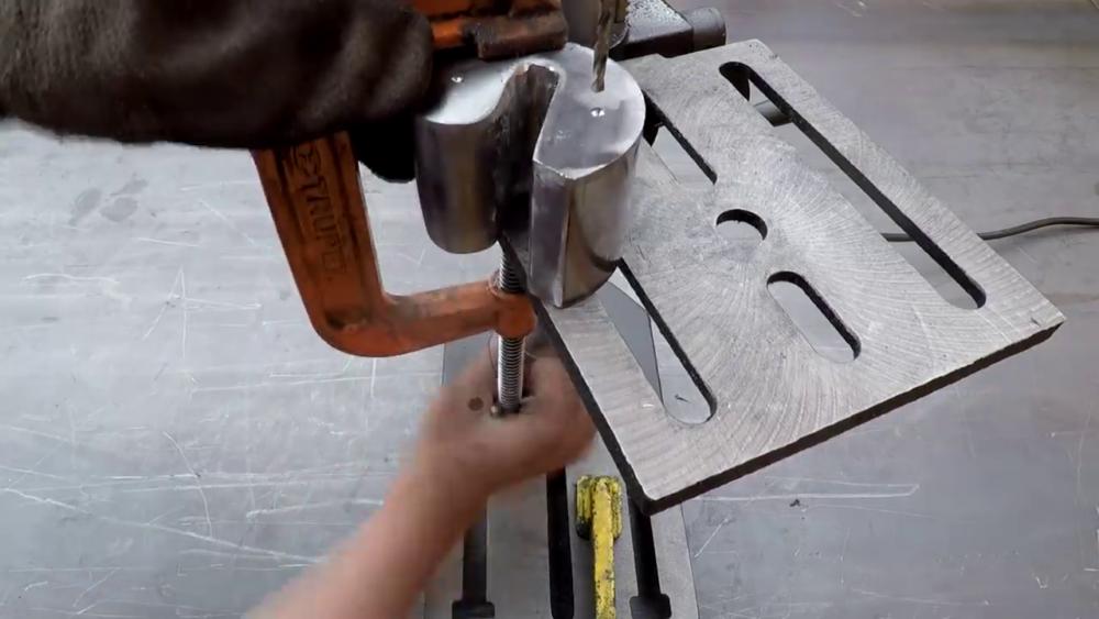 процесс изготовления самодельного станка для гибки металла шаг 38