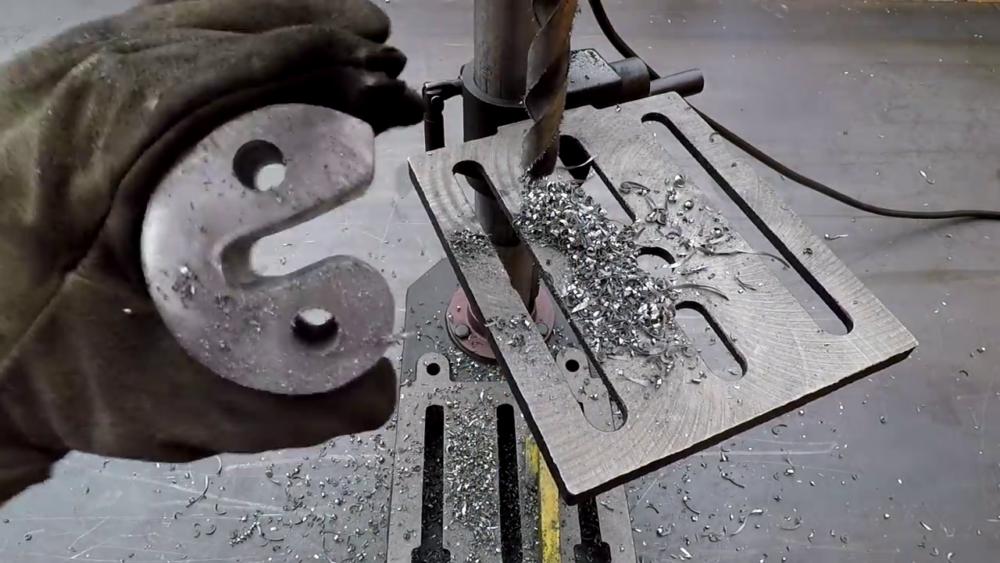 процесс изготовления самодельного станка для гибки металла шаг 39