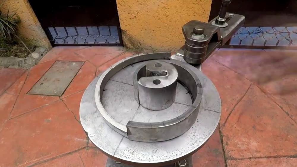 процесс изготовления самодельного станка для гибки металла шаг 41