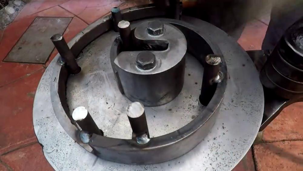 процесс изготовления самодельного станка для гибки металла шаг 45