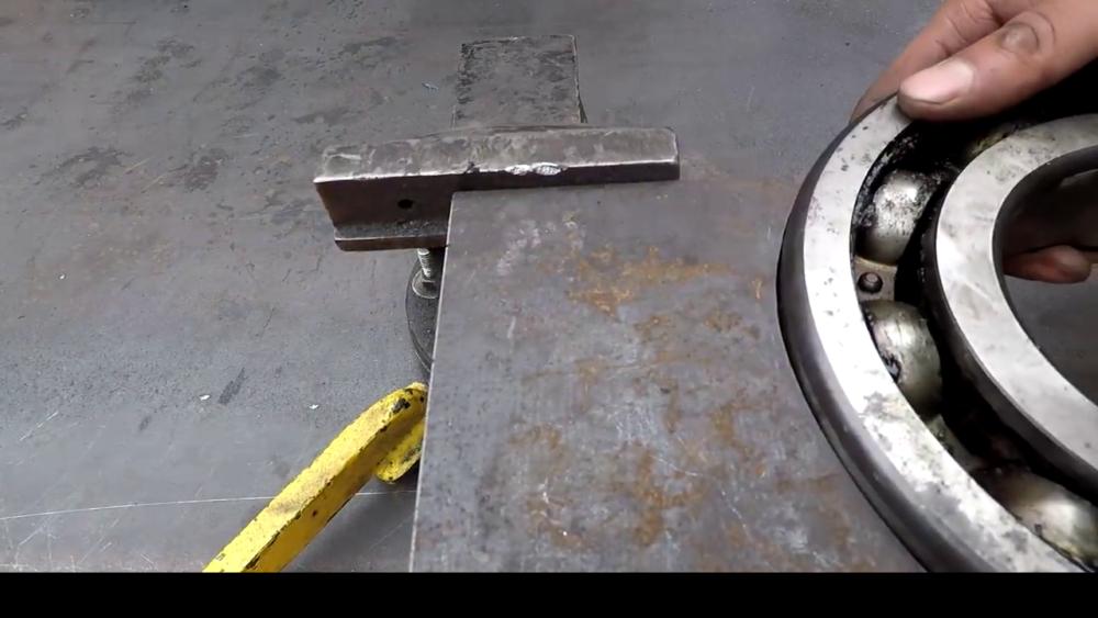 процесс изготовления самодельного станка для гибки металла шаг 4