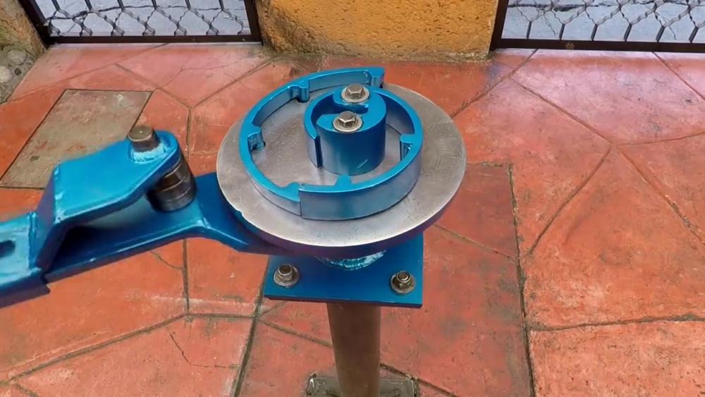 готовый самодельный станок для гибки металла
