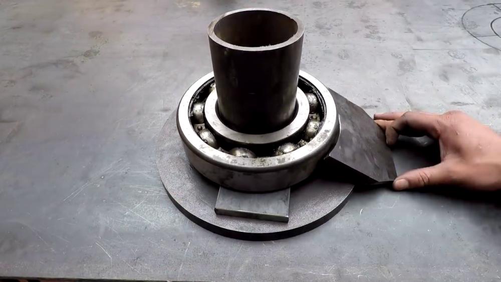 процесс изготовления самодельного станка для гибки металла шаг 8