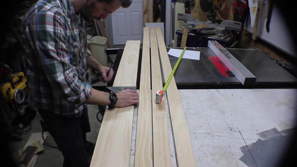 процесс изготовления потайного дверь-шкафа из фанеры шаг 1