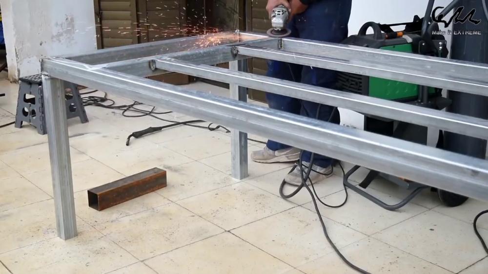 процесс изготовления стол с барбекю шаг 10