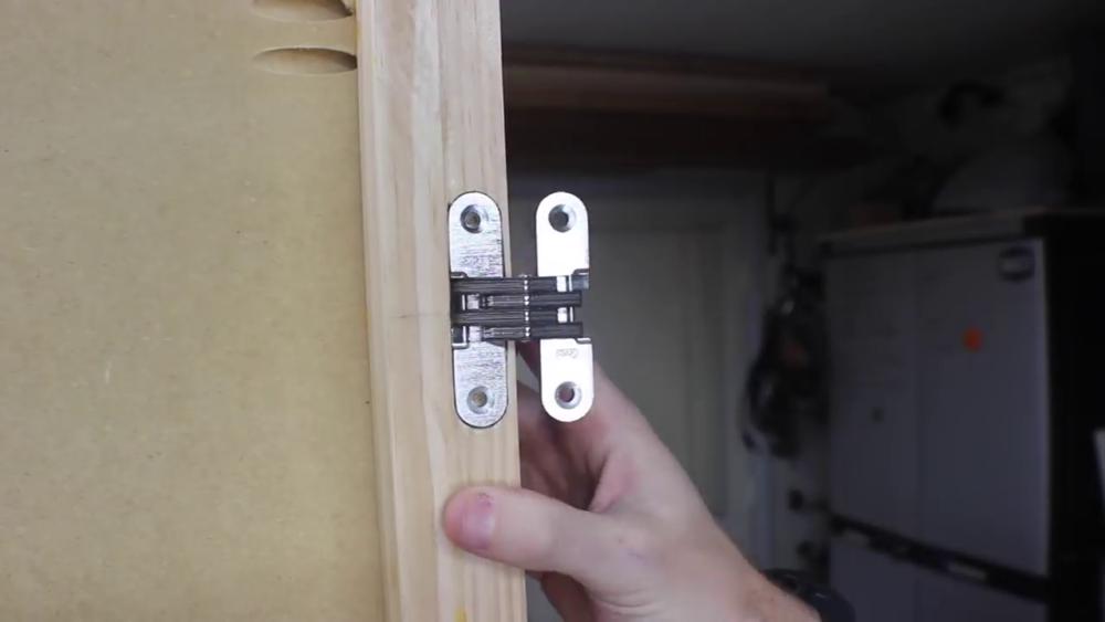 процесс изготовления потайного дверь-шкафа из фанеры шаг 23