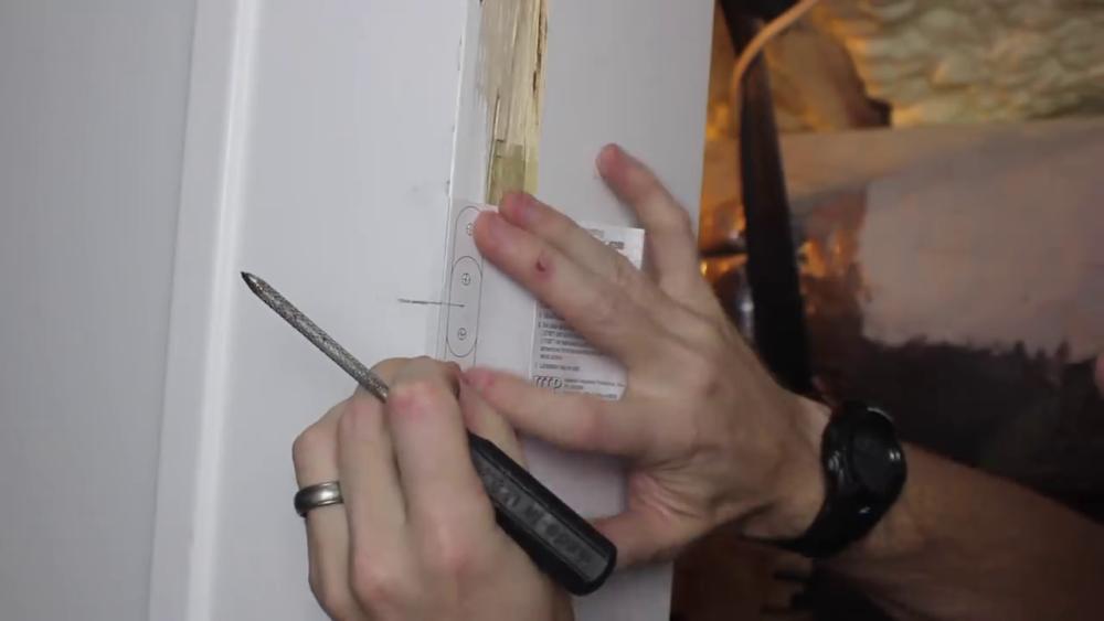 процесс изготовления потайного дверь-шкафа из фанеры шаг 30