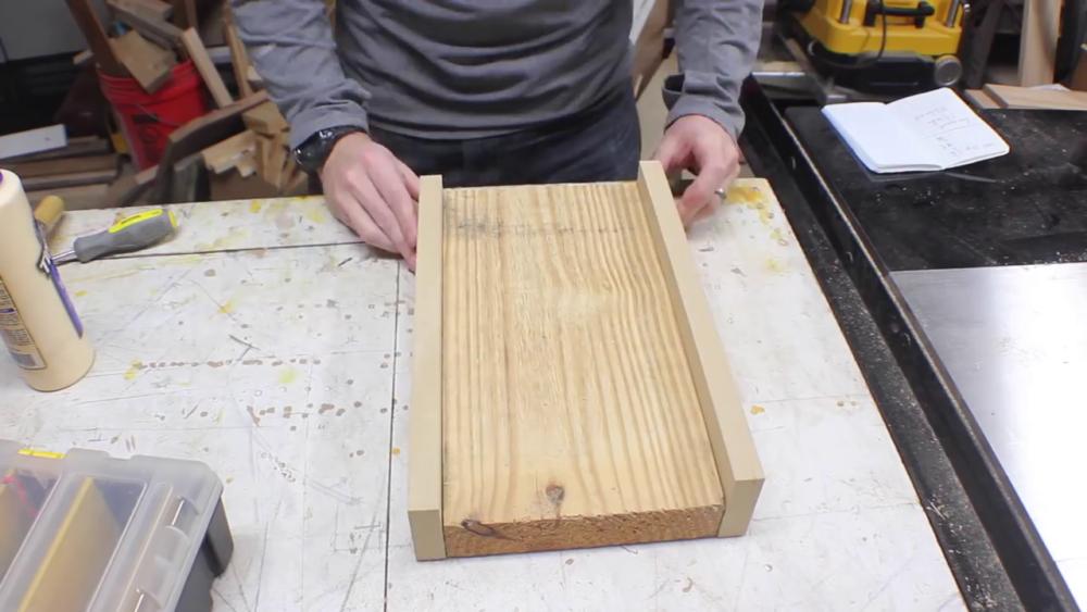 процесс изготовления потайного дверь-шкафа из фанеры шаг 30процесс изготовления потайного дверь-шкафа из фанеры шаг 36