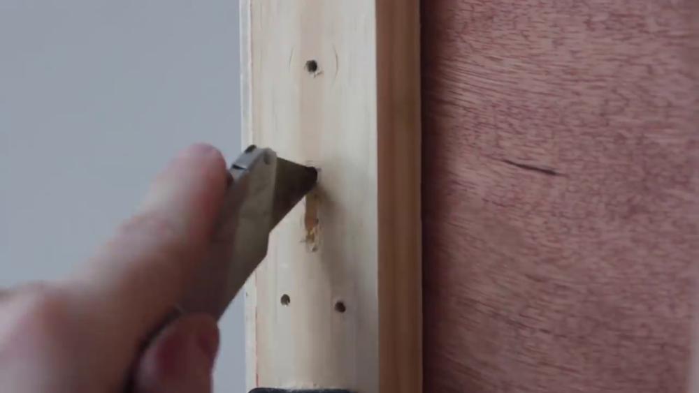 процесс изготовления потайного дверь-шкафа из фанеры шаг 30процесс изготовления потайного дверь-шкафа из фанеры шаг 43