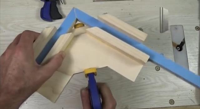 применение угловой двойной струбцины шаг 4