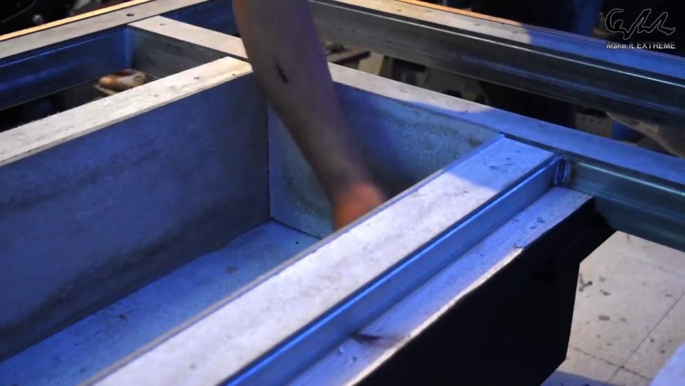 процесс изготовления стол с барбекю шаг 58