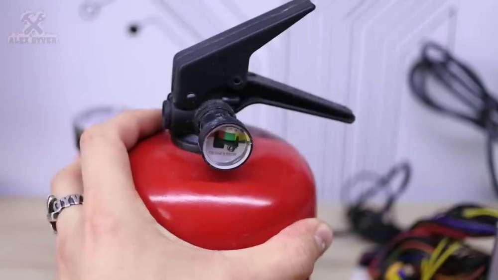 Самодельный компрессор с ресивером из огнетушителя шаг 2