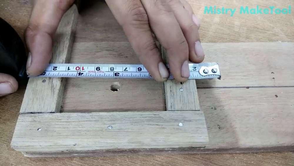Самодельный циркуль для лобзика своими руками шаг 26