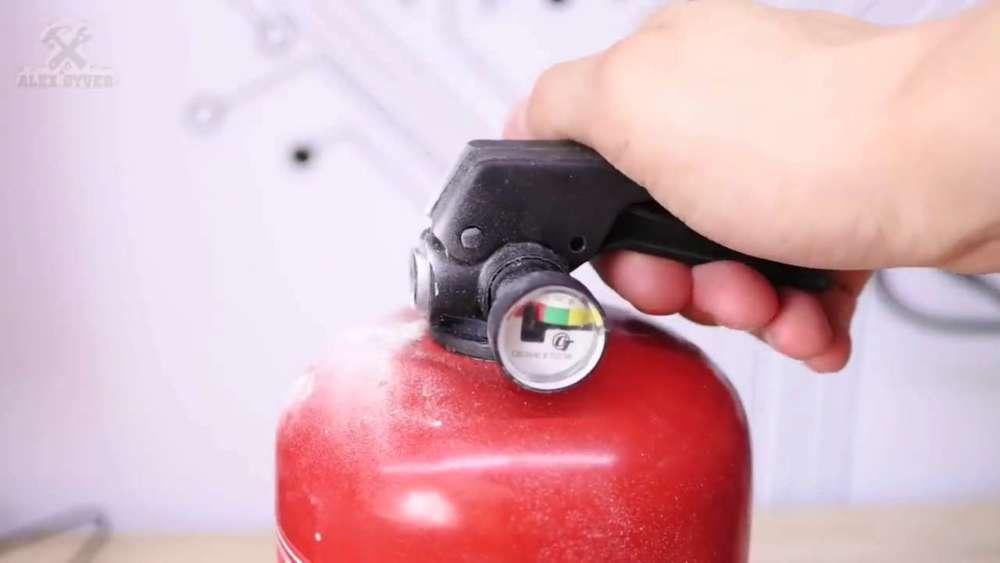 Самодельный компрессор с ресивером из огнетушителя шаг 4