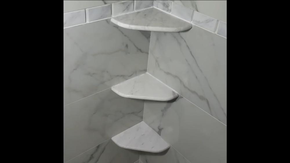 Угловые полки в ванную