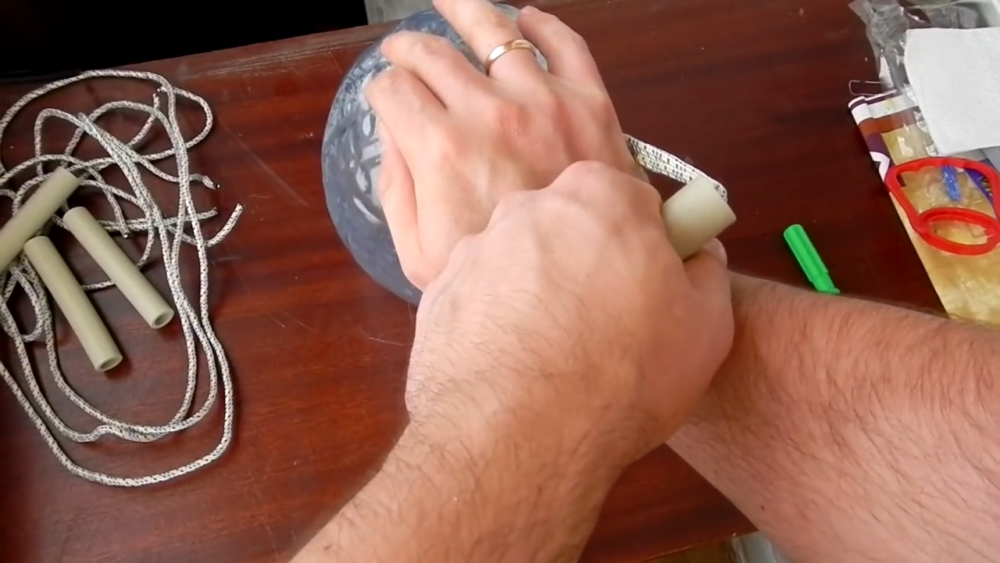 удобная ручка для переноски бутылей